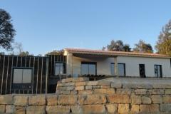 maison ossature bois contemporaine avec bardage red cedar et enduit menuiseries aluminium terrasse (9)