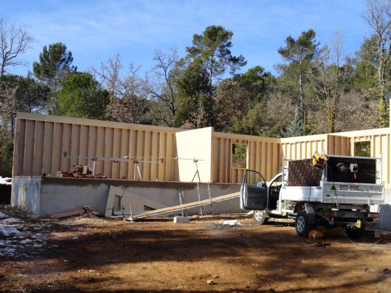 maison à ossature bois contemporaine à toit plat à BRIGNOLES DANS LE VAR REGION PACA (16)