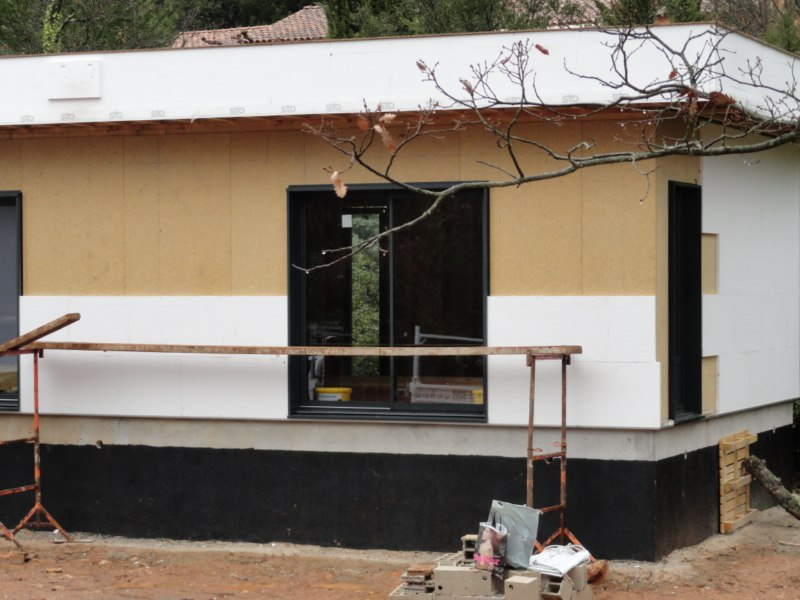 maison à ossature bois contemporaine à toit plat à BRIGNOLES DANS LE VAR REGION PACA