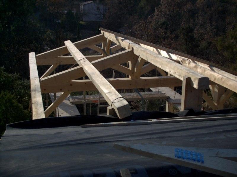 Contruction d'une maison à ossature bois avec enduit de finition et bardage douglas au THORONET dans le VAR 83 (12)