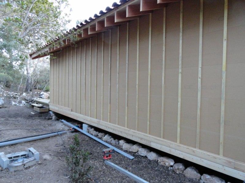 Maison ossature bois sur pilotis en bardage meleze entouré d'une terrasse bois à LE VAL 83143 dans le VAR region PACA [800x600] (56)