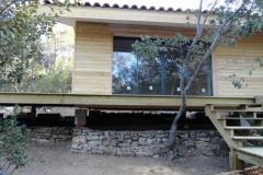 Maison ossature bois sur pilotis en bardage meleze entouré d'une terrasse bois à LE VAL 83143 dans le VAR region PACA [800x600] (10)