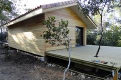 Maison ossature bois sur pilotis en bardage meleze entouré d'une terrasse bois à LE VAL 83143 dans le VAR region PACA [800x600] (15)