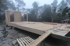 Maison ossature bois sur pilotis en bardage meleze entouré d'une terrasse bois à LE VAL 83143 dans le VAR region PACA [800x600] (28)
