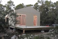 Maison ossature bois sur pilotis en bardage meleze entouré d'une terrasse bois à LE VAL 83143 dans le VAR region PACA [800x600] (37)