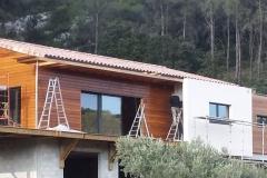 Construction maison ossature bois sur sous sol à saint zacharie bardage red cedar